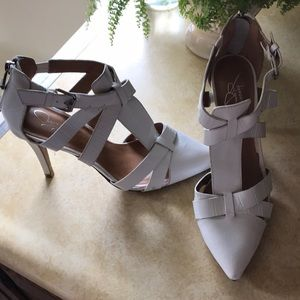 White Point Toe Heels